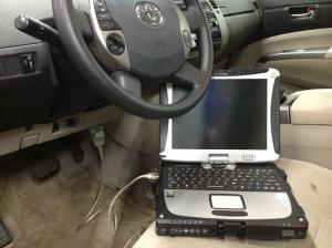 car-laptop-diagnosis