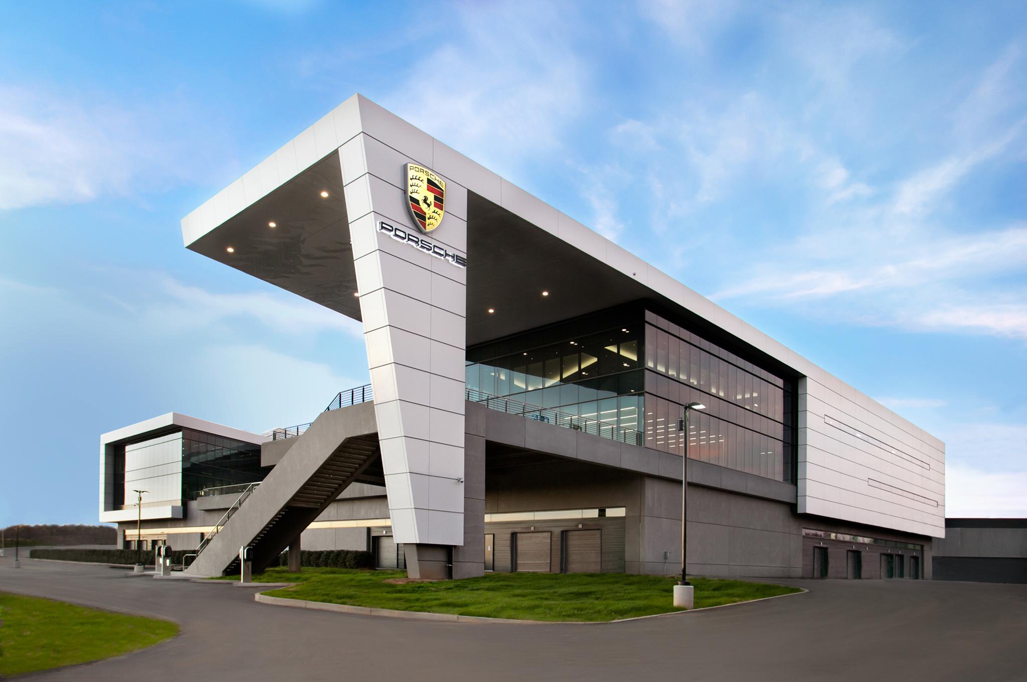 porsche-experience-center-atlanta-headquarters-01